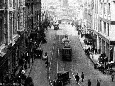 Mikhail Kaufman. Moskva [Moscú]. Película, 1927