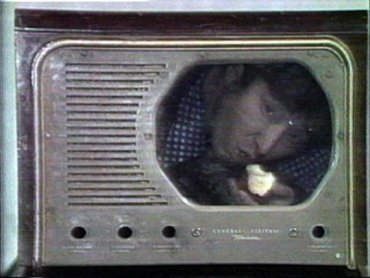 Nam June Paik, Douglas Davis y Joseph Beuys. Documenta 6, Satellite Telecast, 1977. Vídeo (Betacam SP y DVD), 30' color. Cortesía Electronic Arts Intermix (EAI), Nueva York (http://www.eai.org)