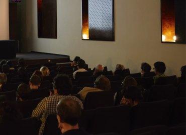 Imagen del Auditorio Sabatini durante las conferencias. Museo Reina Sofía, 2007