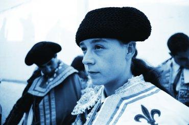 Gemma Cubero and Celeste Carrasco. Ella es el matador. DVD, 2009. © Talcual Films