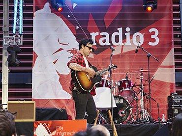 Vista de un concierto de Radio 3 en el patio del Edificio Nouvel
