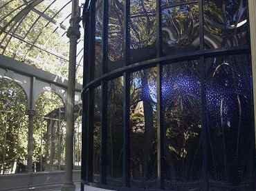 Vista de sala de la exposición.  Soledad Sevilla. Escrito en los cuerpos celestes, 2011