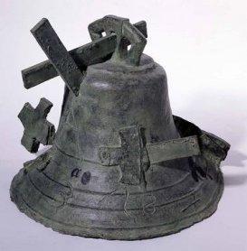 Antoni Tàpies. Campana, 1989-1993. Escultura. Colección Museo Nacional Centro de Arte Reina Sofía, Madrid