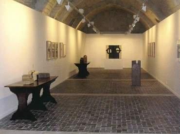 Vista de sala de la exposición. Eduardo Chillida. Cántico espiritual, 2005