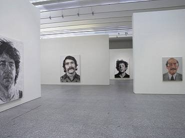 Vista de sala de la exposición. Chuk Close. Pinturas: 1968-2006, 2007