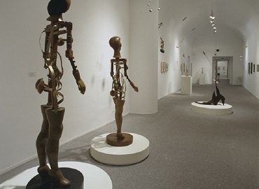 Exhibition view. Ángel Ferrant, 1999