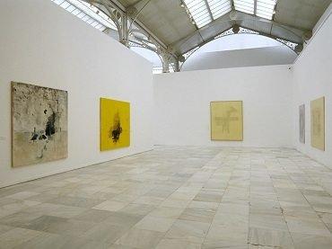 Exhibition view. Guillermo Kuitca. Obras 1982-2002, 2003