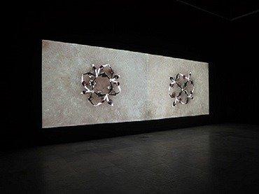 Vista de sala de la exposición. Alberto Peral. Bailando, 2007