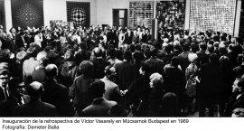 Andreas Fogarasi. La ciudad de color / Vasarely Go Home(imagen 01)