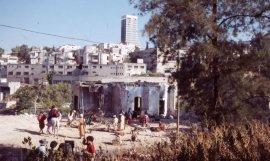 Amos Gitai, Esther (1985). Rodaje entre las ruinas de Wadi Salib (Haifa). Fotografía: Thierry Nouvelle