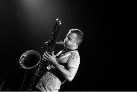 El saxofonista Colin Stetson actúa el próximo 15 de noviembre
