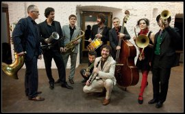 Mastretta y su banda ofrecerán un concierto para familias creado para el Museo en el que la música dialogará con una selección de obras audiovisuales de la Colección