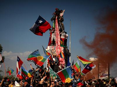 La Plaza Baquedano tomada en las protestas ocurridas en Santiago de Chile, 2019