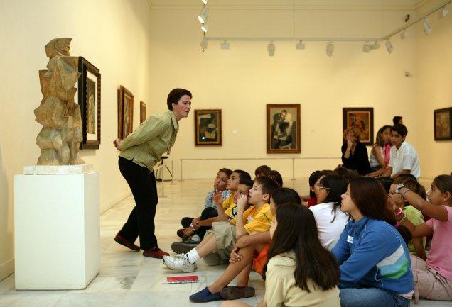 Desarrollo de la visita. Museo Reina Sofía, 2004.