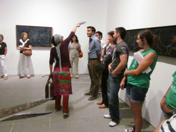 Patricia Ruz realiza la sesión preparatoria de Si fuera un movimiento... invitando a los profesores a participar
