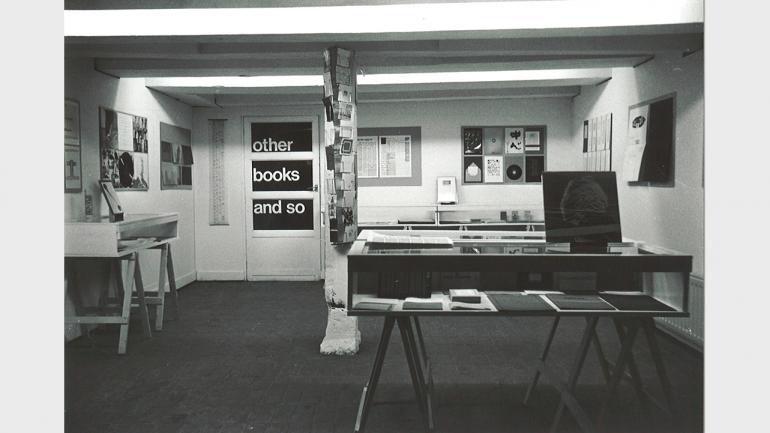 Exposición de Guy Schraenen éditeur en Other Books and So, galería y editorial fundada por el artista Ulises Carrión, 1977