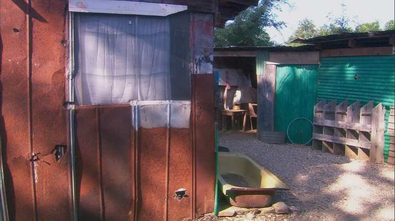 Dorit Margreiter. Poverty Housing. Americus, Georgia, 2008. 35mm, 13:58min, color. FilmstillDorit Margreiter. Poverty Housing. Americus, Georgia, 2008. 35mm, 13:58min, color. Filmstill
