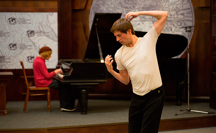 Oleg Karavaichuk and Javier Martín during rehearsals of Symptoma in the Russian Geographical Society, St. Petersburg, August 2015. Photo: Boris Alekseev