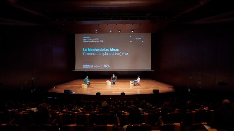 La Noche de las ideas. Cercanos, un planeta (en) vivo. Fotografía: Joaquín Cortés/Román Lores © Museo Reina Sofía