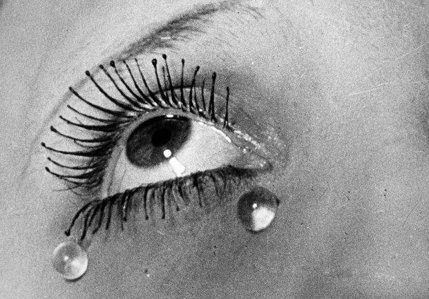 Man Ray. Las lágrimas, 1932 / Copia póstuma, 1982. Fotografía. Colección Museo Nacional Centro de Arte Reina Sofía, Madrid