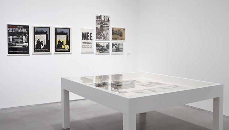 Vista de sala de la exposición Aún no. Sobre la reinvención del documental y la crítica de la modernidad, 2015
