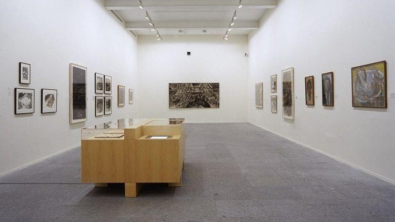 Vista de sala de la exposición. Miquel Barceló. Obra sobre papel. 1979-1999, 1999