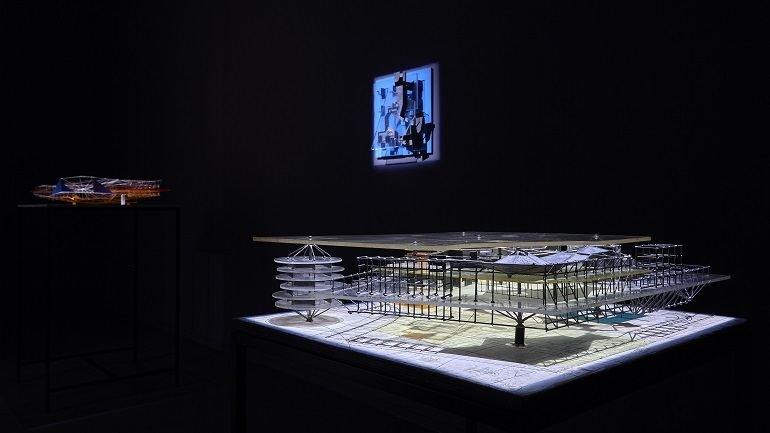 Vista de sala de la exposición Constant. Nueva Babilonia, 2015