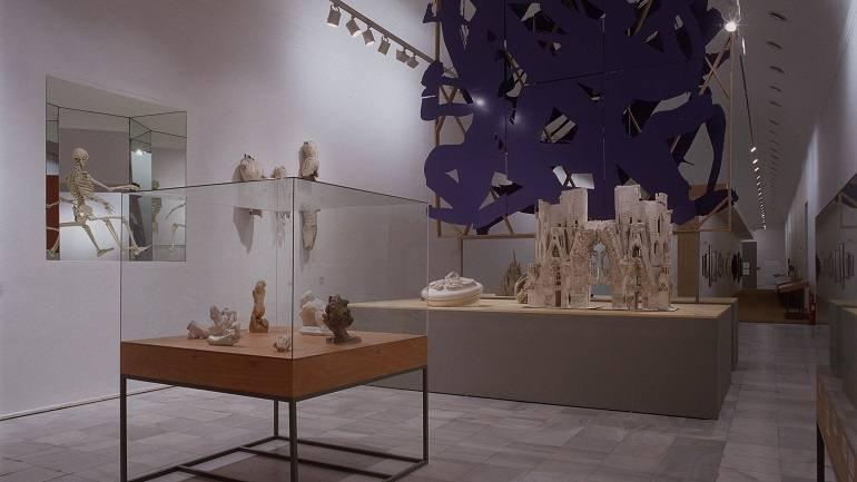 Vista de sala de la exposición. Universo Gaudí, 2002