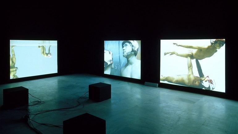 Vista de sala de la exposición. Katarzyna Kozyra. Señores de la danza, 2002