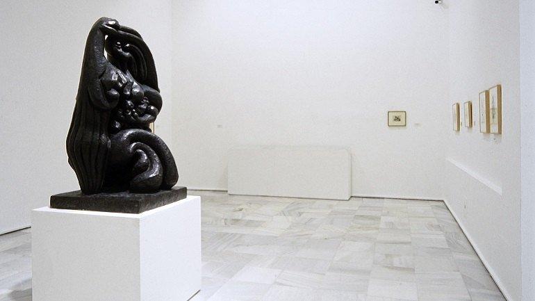 Vista de sala de la exposición. Lipchitz. 1891-1973. Un mundo sorprendido en el espacio, 1997