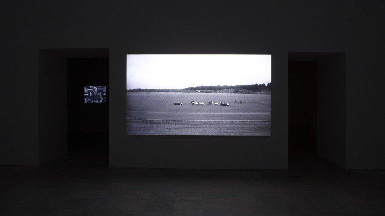 Vista de sala de la exposición. David Maljkovic: Out of Projection, 2009