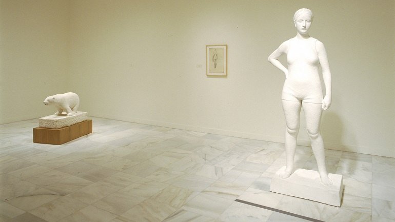 Vista de sala de la exposición. Francisco Pérez Mateo. Escultor 1903-1936, 2002
