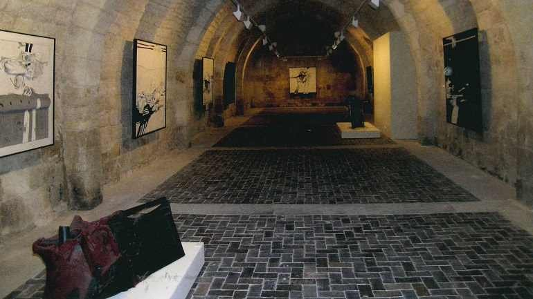 Exhibition view. Millares en Silos, 2005