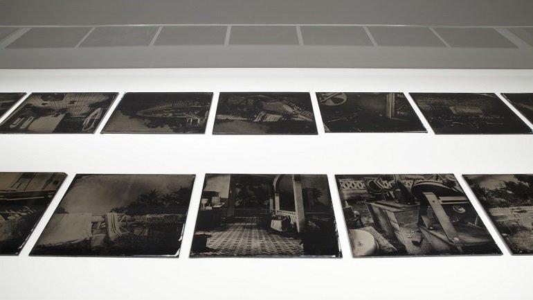 Vista de sala de la exposición. Paloma Polo. Posición aparente, 2012