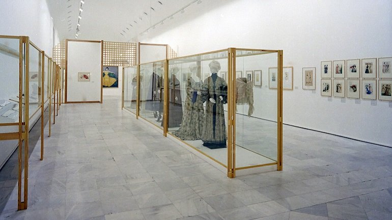 Vista de sala de la exposición. Viena 1900, 1993
