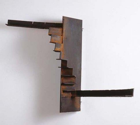 Juan Muñoz, Sin título, 1982. Hierro. 85 x 64,5 x 63 cm. Depósito temporal de la Fundación ICO