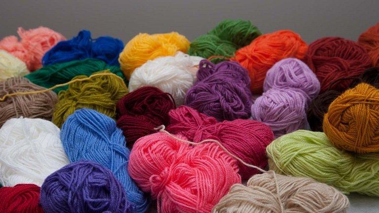 Muestra de hilos de lana utilizados