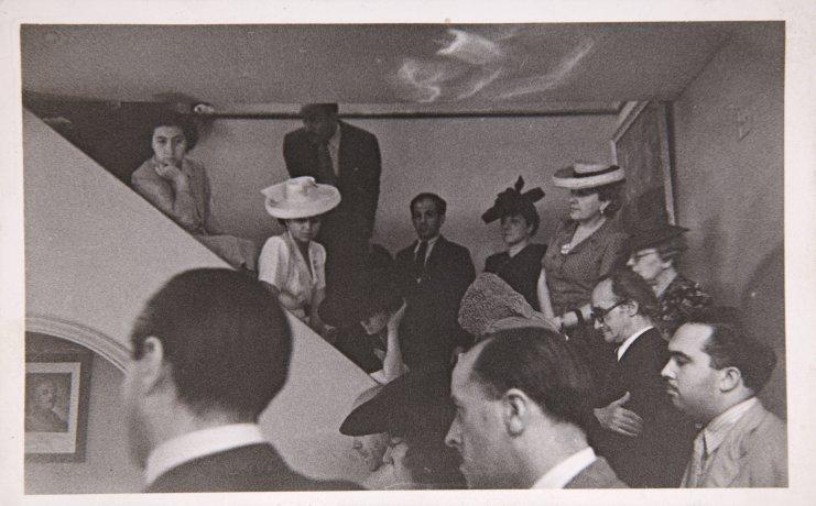 Ambiente del Salón de los Once durante una conferencia en la Galería. 1943. Archivo Biosca. Centro de Documentación