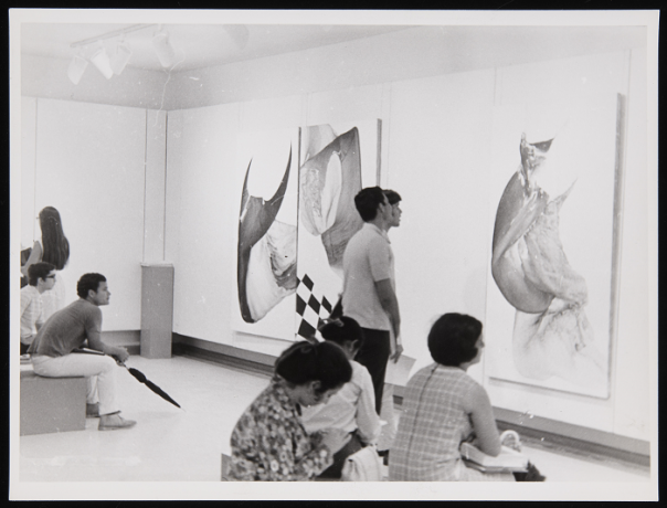Vista de la exposición Augusto Puig en el Campus de Mayagüez. Archivo de la Revista de Arte (Mayagüez). Centro de Documentación