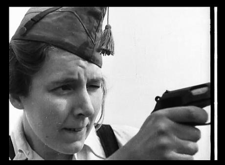 La mujer y la guerra (The woman and the war)