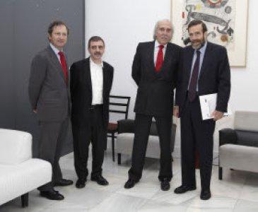 La Fundación Banco Santander apuesta por la educación en el Museo Reina Sofía y apoyará su proyecto pedagógico con 1.750.000 euros durante los próximos cinco años